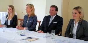 v.li.: Laura Sasse, Dr. Christine Sasse, Dr. Eberhard Sasse und Katja Böhmer