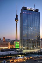 Fassade des Park Inn Berlin. Bild: Marcus Volk