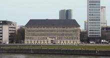 Vorderfront des Mannesmann-Hauses (auch Behrensbau) im Düsseldorfer Stadtteil Carlstadt Bild: Hans Peter Schaefer, Wikipedia