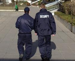 Sicherheitskräfte von Dussmann Service sorgen für Sicherheit im Wohn- und Kaufpark Alterlaa in Wien. Bild: Dussmann Service