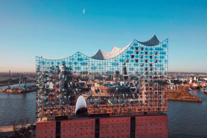 Die Elbphilharmonie in Hamburg. Bild: www.mediaserver.hamburg.de/ Maxim Schulz