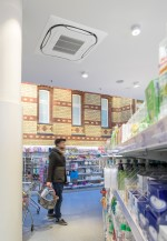 Der 1000. dm-Markt mit Energieeffizienz-Konzept steht in Erfurts Innenstadt in einem denkmalgeschützten Gebäude.