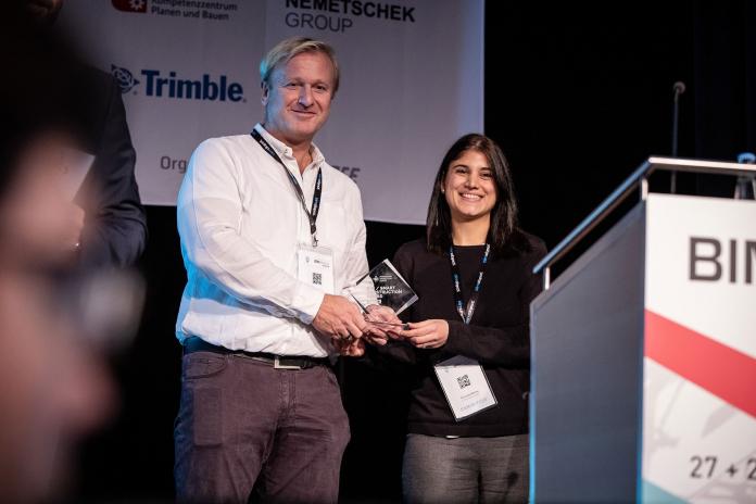 Die glücklichen Gewinner des BIM/Smart Construction Awards: Christian Wetzel und Charoula Andreou. Bild: Navispace AG.