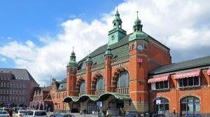 Der Hauptbahnhof in Lübeck ist Teil des Vertrags zwischen der Deutschen Bahn und der Dr. Sasse AG. Bild: C. Bedeschinski/Deutsche Bahn AG