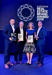 Die Vertreter der Dr. Sasse Gruppe bei der Verleihung Real Estate Brand Award 2019. Bild: Dr. Sasse Gruppe