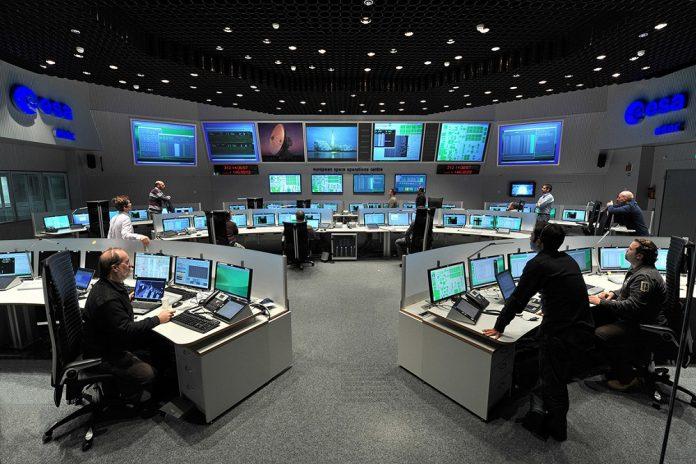 Hauptkontrollraum der ESOC in Darmstadt. Bild: J. Mai/ESA.