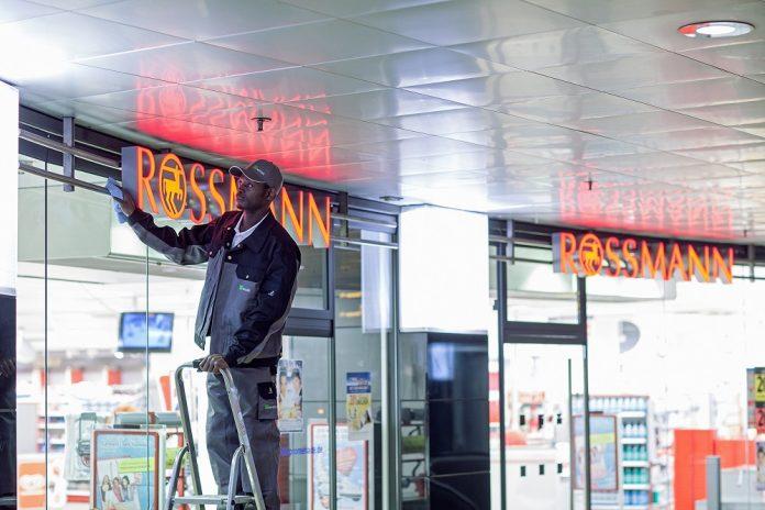 Wisag übernimmt FM für 100 weitere Rossmann-Filialen. Bild: WISAG, 2019