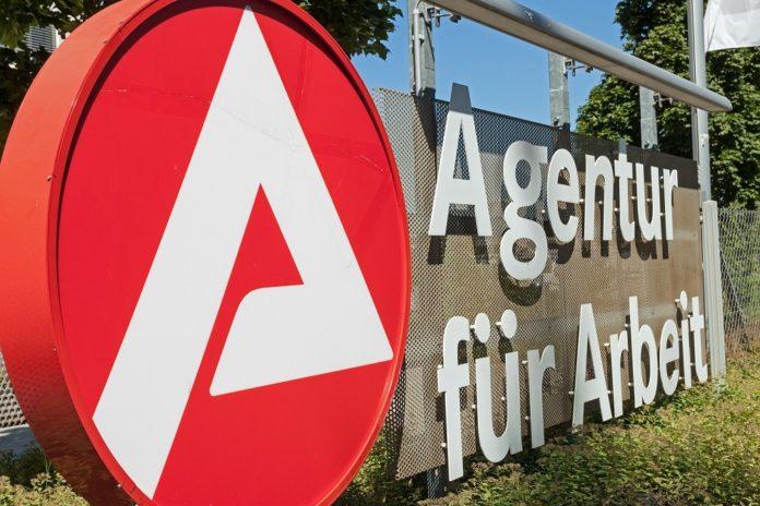 Bundesagentur für Arbeit. Bild: iStock.com/Tree4Two