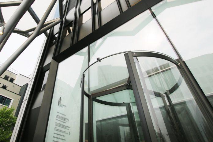 Der Eingangsbereich des Westend Gate in Frankfurt. Bild: Spie