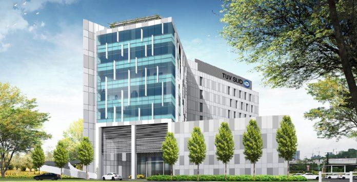 In dem achtstöckigen Hochhaus arbeiten ungefähr 700 TÜV Süd-Mitarbeiter auf einer Fläche von 18.900 qm. Bild: Tüv Süd