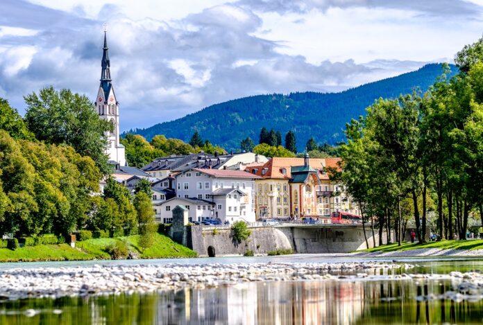 In Bad Tölz befindet sich das Unternehmen Duldinger, eines von zwei Unternehmen, das von der Sasse Gruppe akquiriert wurde. Bild: fottoo/stock.adobe.com