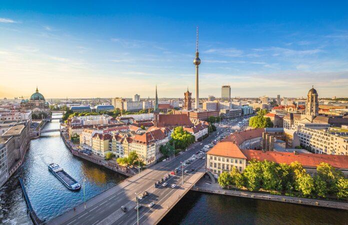 Apleona hat für 28 Objekte das technische FM der BIM in Berlin übernommen. Bild: JFL Photography/stock.adobe.com